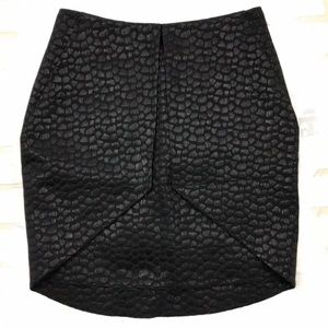 NWT 2B.Rych Black Textured Pencil Skirt